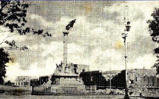 Estatua a Garcia Granados, avenida La Reforma en los terremotos de 1917 y 1918 - foto por guatepalabras.blogspot.com