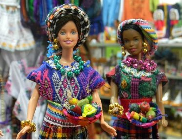 barbies chapinas - Las Barbies con trajes indígenas de Guatemala