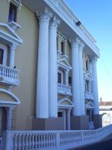 teatro abril columnas - El Origen de El Teatro Abril de Guatemala