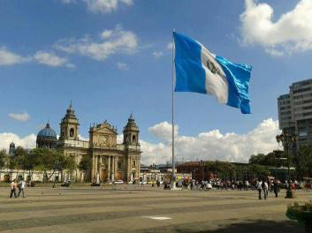 Centro Historico plaza de la Constitucion foto por Edgar Rodas Collier. - Galería – Fotos de la Ciudad de Guatemala