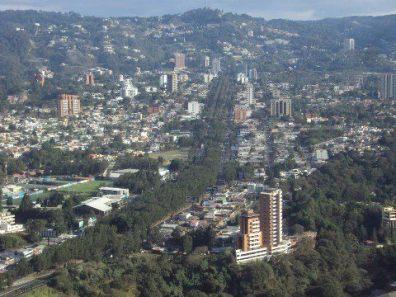 Ciudad de Guatemala Boulevard Vista Hermosa Zona 15 foto por Heber Pazos. - Galería – Fotos de la Ciudad de Guatemala