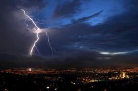 Ciudad de Guatemala con tormenta - foto por Arturo Saravia Altolaguirre