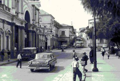 Xela Quetzaltenango. Fecha desconocida parece del año 1960s. Foto por Karlita Chaclán. - Galería – Fotos de Guatemala de Antaño
