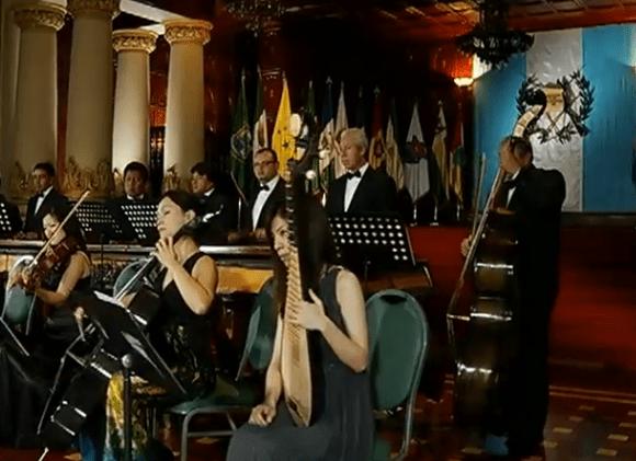 Video Musical – Marimba de Concierto Palacio Nacional Interpretando, Luna de Xelajú
