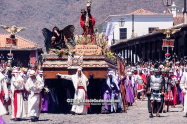 Procesión de Jesús Nazareno de La Merced Antigua Guatemala Viernes Santo foto por Maynor Marino Mijangos - Tradiciones de Guatemala