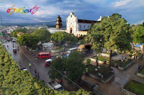 Parque en Santa Cruz del Quiché foto por Osorious Oso - Galería - Fotos de Guatemala por Avelino Osorious