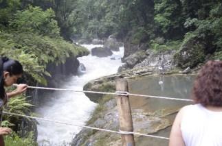 Lugar conocido como el Sumidero debes tener mucha precaución en este lugar - Guía Turística - Semúc Champey, Alta Verapaz