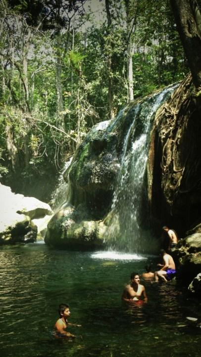 DSC07689 575x1024 - Guía Turística - Finca El Paraíso Cascada de Agua Caliente