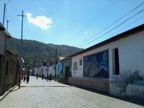 Encontrarás murales pintados en todo el pueblo