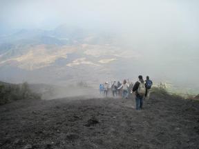 La pendiente es impresionante pero totalmente seguro adrenalina y diversión al 100  - Guía Turística - Volcán de Pacaya