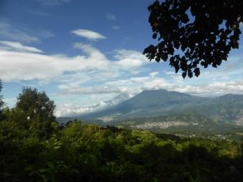 """Vista panorámica de Volcanes Agua Fuego y Acatenango desde """"La Meseta"""" - Guía Turística - Volcán de Pacaya"""