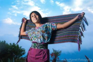 Traje indígena de Sololá - foto por Mario A Ajanel