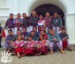Trajes regionales en San Pedro La Laguna foto por San Pedro La Laguna Tzunun Ya - Los coloridos trajes indígenas de Guatemala