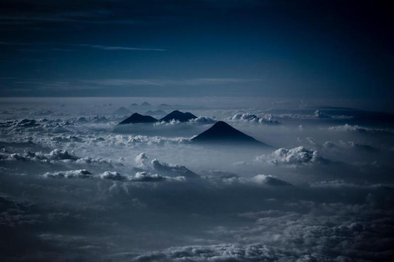Cadena volcanica foto por Ivan Castro - Resumen de la información de Guatemala