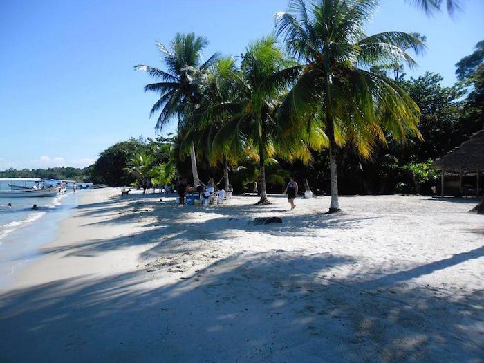 Playa Blanca Izabal foto por Yuri Contreras - ¿Donde disfrutar del verano en Guatemala?