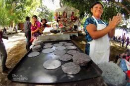 Tortillas negras en el comal foto por Dany Lopez - Galeria de Fotos de Guatemala por Dany Lopez