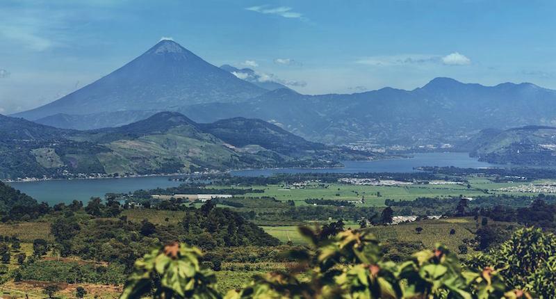 lago de amatitlan panoramica de 37 fotografias por marcelo jimenez foto y video - Leyendas sobre el Lago de Atitlán