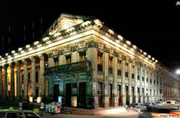 palacio municipal de la ciudad de quetzaltenango foto por hugo altan - Galeria de Fotos de Guatemala por Hugo Altán
