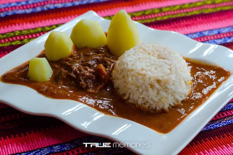 comida Hilachas foto por Neels Menedez de True Memories Photography - 19 platos que debes probar en Guatemala