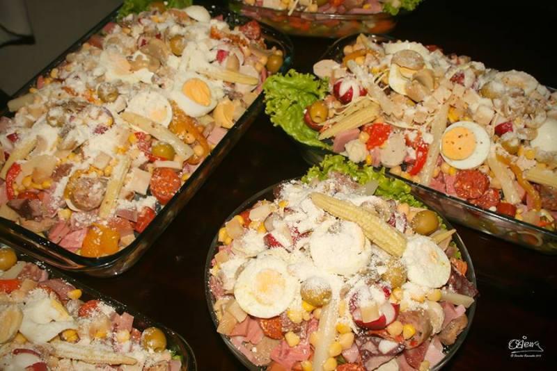 comida fiambre 2 foto por oscar sierra - Los feriados y asuetos en Guatemala