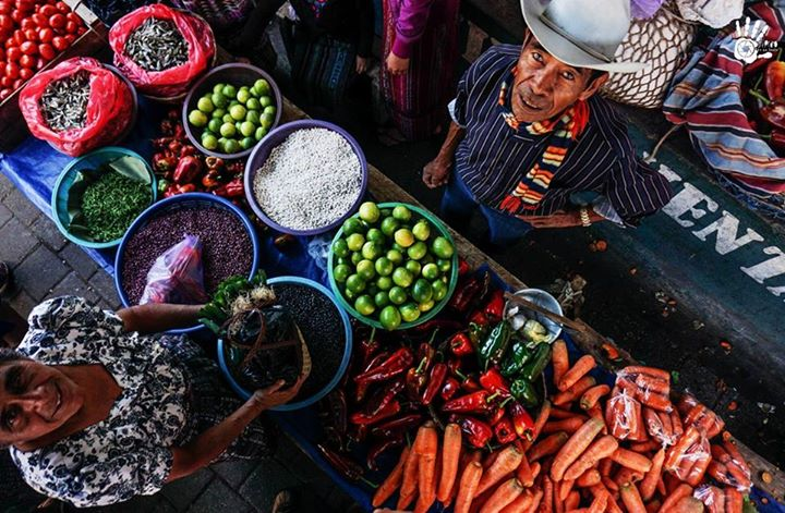 dia de mercado en san pedro la laguna foto por san pedro la laguna tzunun ya - El Producto Interno Bruto - PIB - en Guatemala, 2015