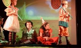 Alumnos de Antigua International School presentan obra teatral