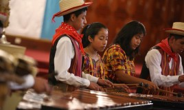Con marimba recuerdan treinta y tres años sin Luis de Lion