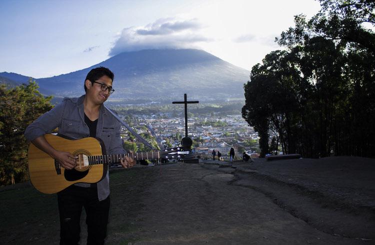 img 7522 8 - La música del guatemalteco Pedro Boche llega a Europa