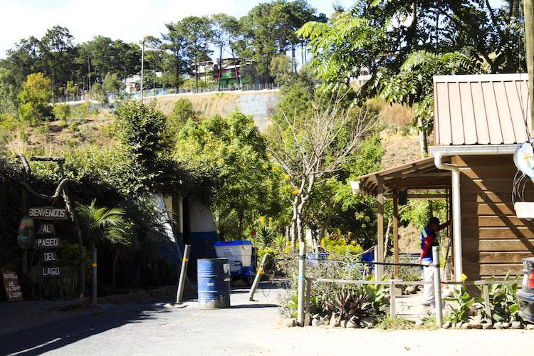 1 entrada al paseo del lago - Un recorrido por el Paseo del Lago Amatitlán