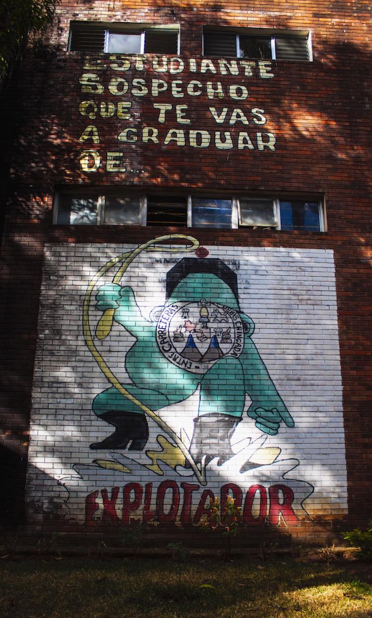 5 mural a los estudiantes - Murales que cuentan la historia del país