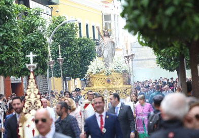 Galeria | Domingo de Resurreción en el objetivo de Paco Guerrero