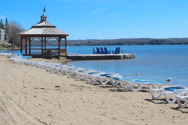 Deerhurst_beach