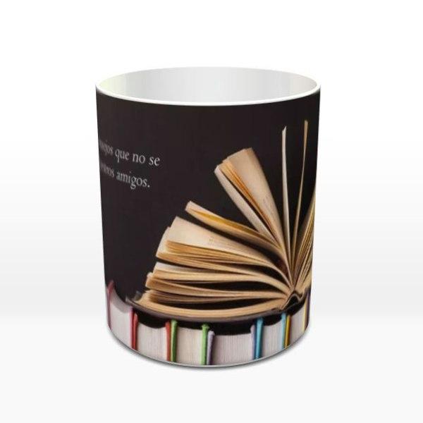 """Taza Mundo de Lúa: """"Los libros nos dan consejos que no se atreverían a darnos nuestros amigos"""""""