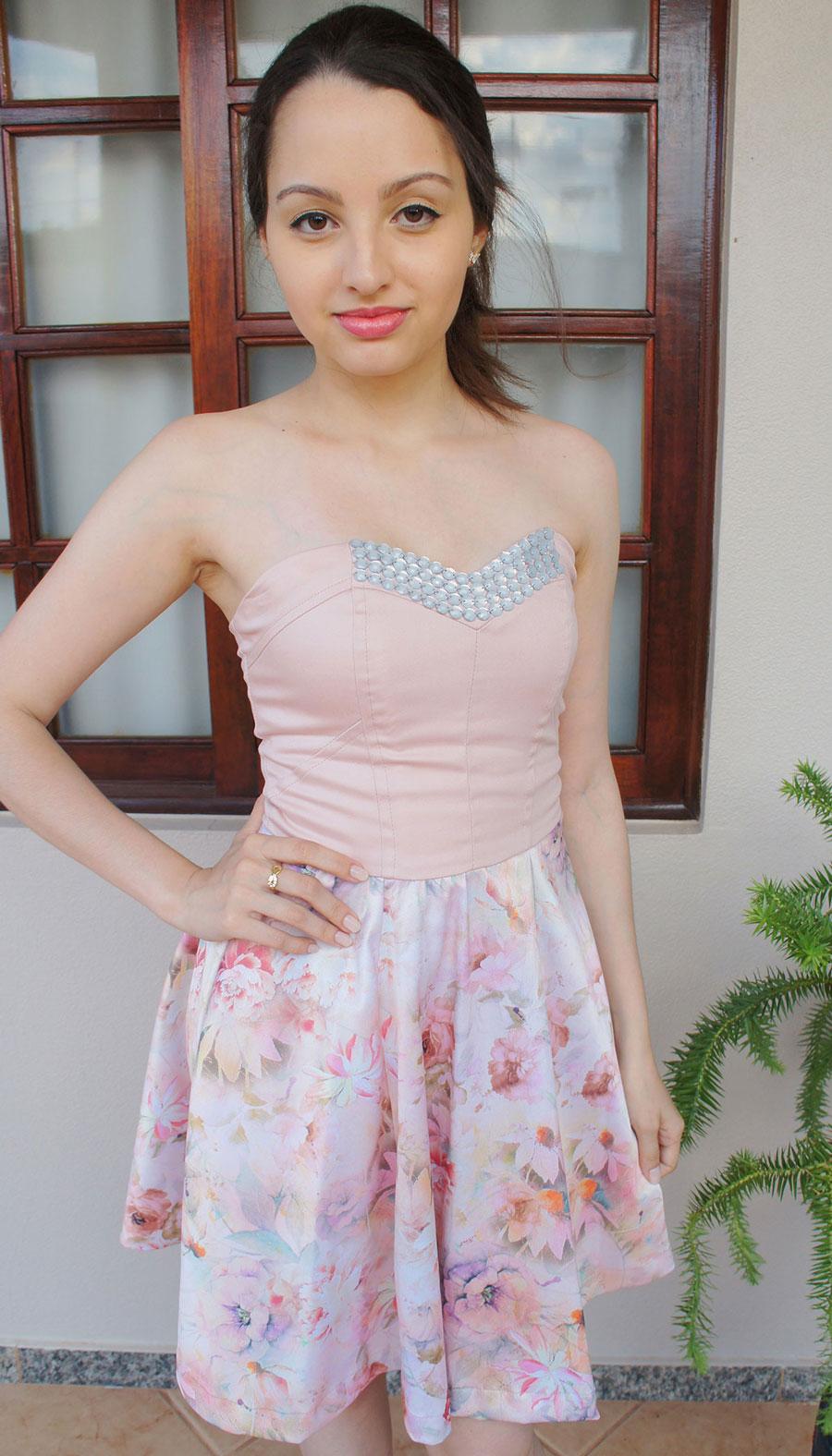 Look Vestido Florido Rosa