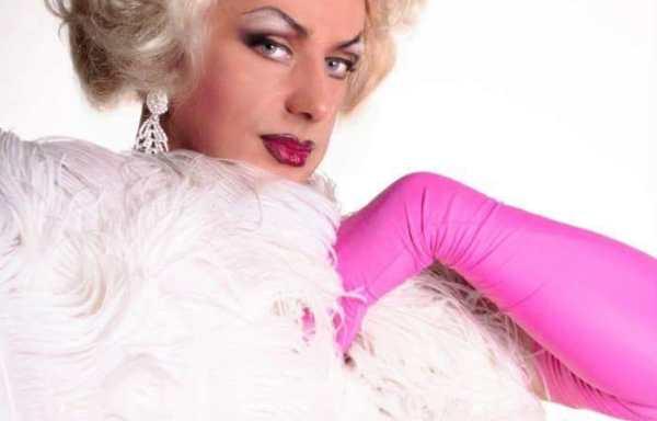 Drag Queens Sandy Show