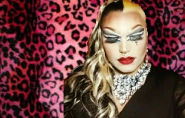 Drag Queen Kendra