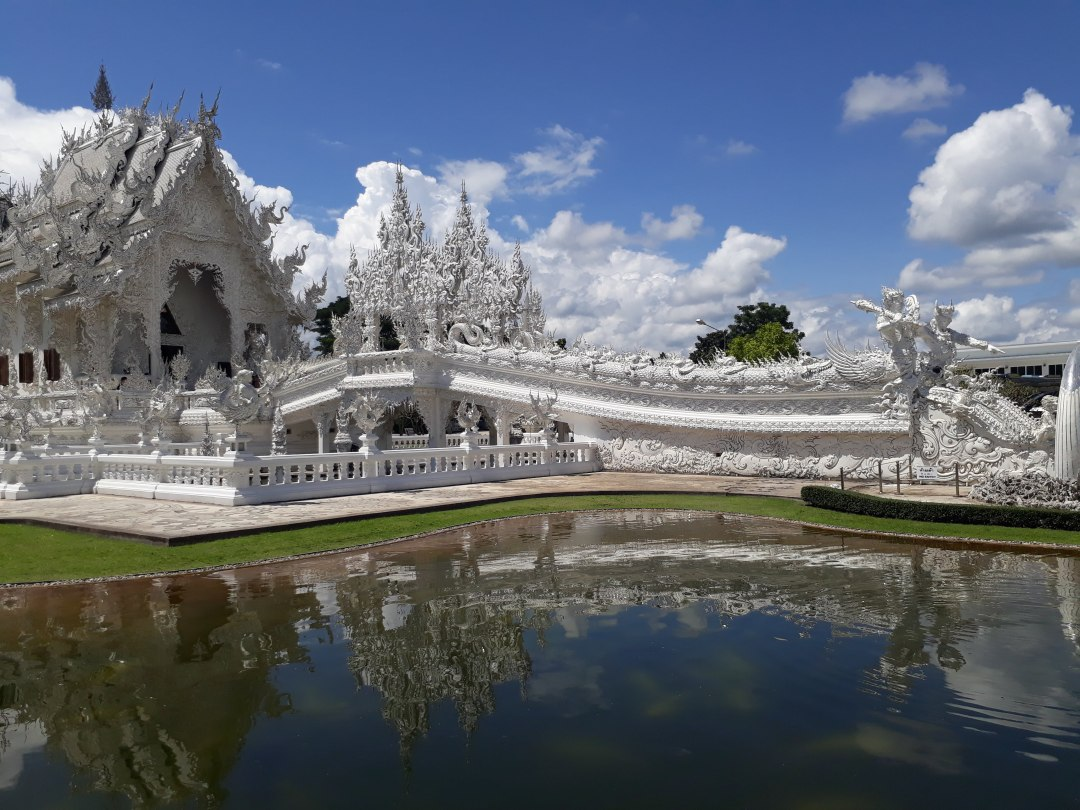 White temple TChiang Rai