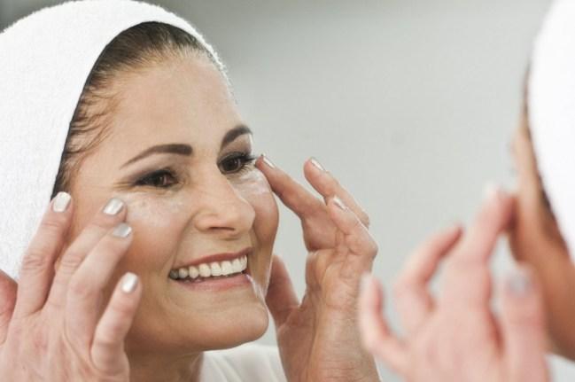 como cuidar da pele do rosto 300x199 - Aprenda como cuidar da pele do rosto