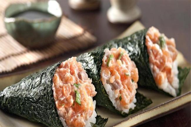 Como fazer Temaki 300x200 - Curso de sushiman aprenda como fazer arroz japonês