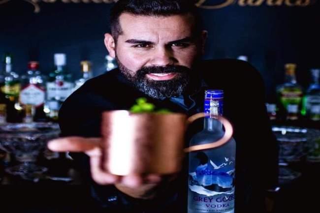 como fazer coquetel de frutas com vodka1 300x200 - Curso de bartender faça drinks famosos