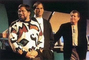 Steve Jobs, Steve Wozniak y Gil Amelio