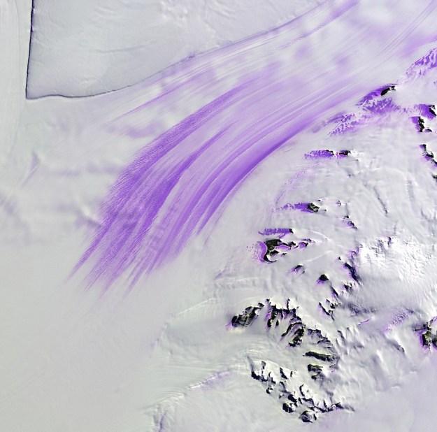 GELEIRA DE SLESSOR, NA ANTÁRTICA (FOTO: USGS / NASA)