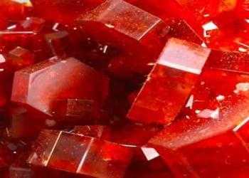 10 incríveis pedras preciosas vermelhas