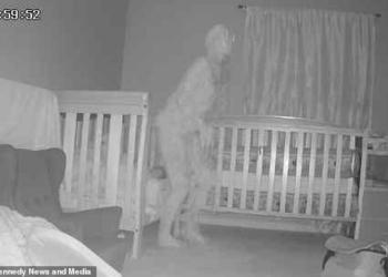 Avó grava macabra presença no quarto da neta com câmera escondida