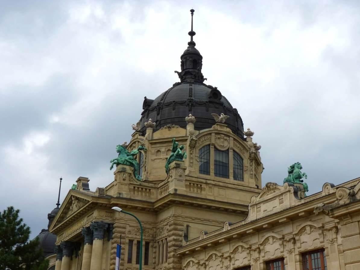 Budapeste Hungria Termas 01 Mundo Indefinido