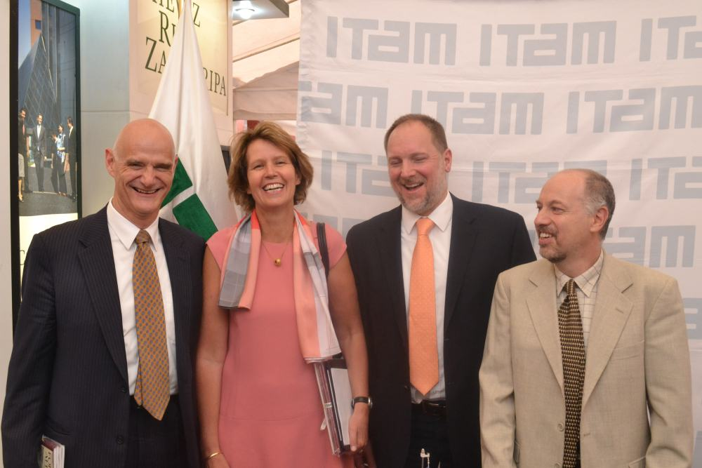 Andrew Standley, Margrite Nieske Leemhuis, Iván Medveczky y Stéphan Sberro. FOTO: ITAM