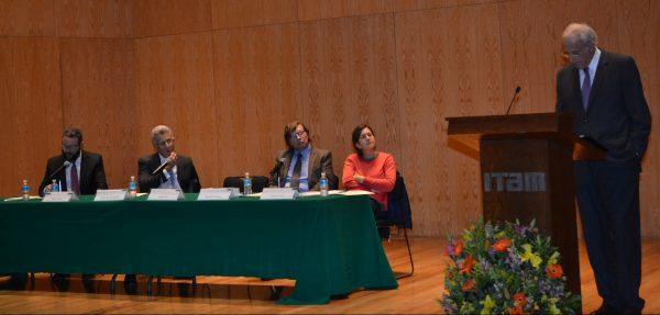 Jorge Cerdio, Alejandro Hernández, Rodolfo Vázquez, Francisca Pou y Owen Fiss. FOTO: ITAM