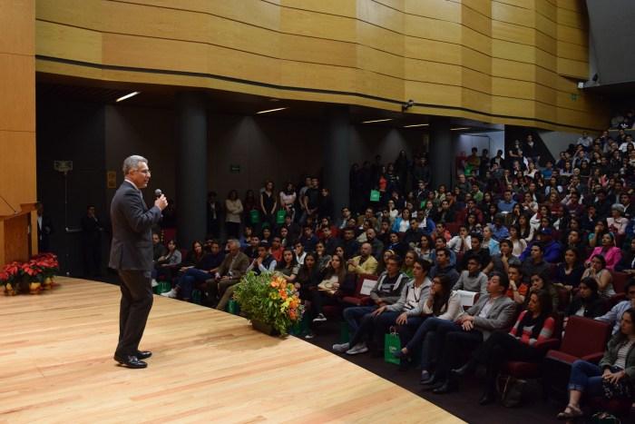 Dr. Alejandro Hernández en Noche ITAM 2017
