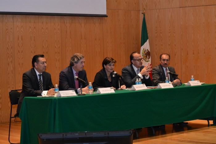 Economía mexicana Alfredo Orellana, Luis de la Calle, Alexandra Uribe, Jorge Suárez y Benito Solís