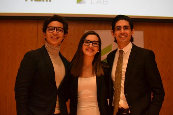 Alejandro González, Anhara Gamez y Adrian Utrilla fueron los integrantes del equipo Puente Financiero.